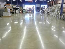 dịch vụ phủ bóng sàn bê tông